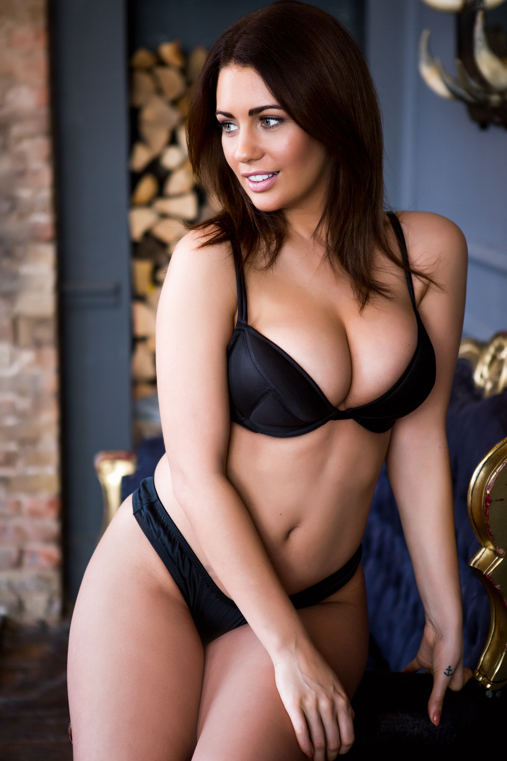Holly Peers-20170320-01 By Sam Riley